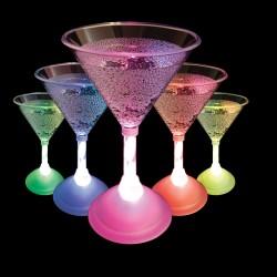 Svítící pohár na martini