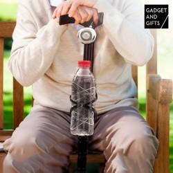 Dřevěná hůl se zvonkem a držákem na láhev