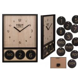 Drevené hodiny s kalendárom