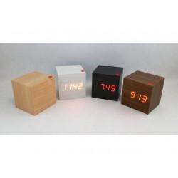 LCD hodiny s datem a budíkem
